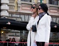 Estilo de la calle: Milan Fashion Week Autumn /Winter 2015-16 imágenes de archivo libres de regalías