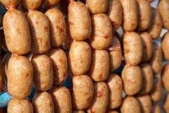Estilo de la parrilla de la salchicha del alimento tailandés del noreste Fotos de archivo libres de regalías