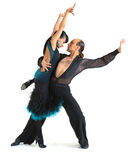 Estilo de Latina de los bailarines de los pares Imágenes de archivo libres de regalías