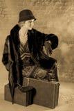 Estilo de los años 20 de la señora que espera Foto de archivo