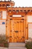 Estilo de madeira de Coreia da porta Imagem de Stock Royalty Free