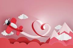 Estilo de papel da arte da fita do coração com voo plano vermelho no céu, projeto da rendição 3D foto de stock