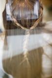 Estilo de pelo de la mujer imagen de archivo