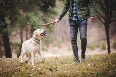 Estilo de vida do esporte com cão Imagens de Stock Royalty Free