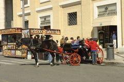 Estilo de vida do excitador do carro em Roma fotos de stock royalty free