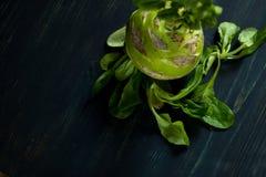 Estilo de vida do ` s do fazendeiro com alimento local Os verdes são bons para a saúde Fotos de Stock