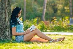 Estilo de vida, férias de verão, educação, literatura imagem de stock royalty free