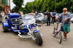Estilo de vida - motociclistas no passeio Foto de Stock Royalty Free
