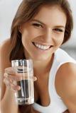 Estilo de vida saudável, comendo Dando um ciclo 04 bebidas Saúde, imagem de stock