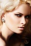 Estilo del lujo y de la manera. Cara femenina con maquillaje Fotos de archivo libres de regalías