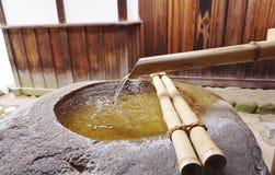 Estilo del zen del pozo de agua de Japanse Fotos de archivo libres de regalías