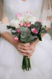 Estilo do boho da noiva Aquelas meninas não são vistas são somente mão visível Imagem de Stock