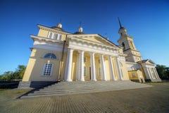 Estilo do classicism da catedral de Nevjansk imagens de stock