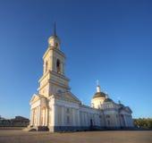 Estilo do classicism da catedral de Nevjansk, Rússia foto de stock