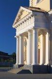 Estilo do classicism da catedral de Nevjansk, Rússia imagens de stock