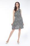 Estilo e elegância - levantamento encantador à moda da menina Imagem de Stock Royalty Free