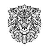 Estilo gráfico étnico del león con los ornamentos herbarios y la melena modelada Ilustración del vector libre illustration