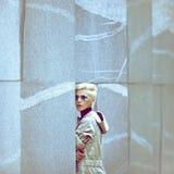 Estilo hermoso de la muchacha urbano Fotografía de archivo