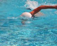 Estilo libre de la natación de la mujer Imagen de archivo