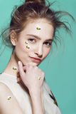 Estilo profesional del maquillaje divertido para la moda de Yong Fotografía de archivo libre de regalías