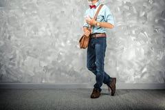 Estilo retro das roupas dos homens do vintage com baixa iluminação chave sobre o lof Imagem de Stock Royalty Free