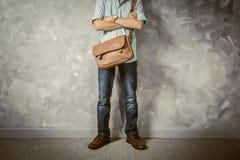 Estilo retro das roupas dos homens do vintage com baixa iluminação chave sobre o lof Imagens de Stock Royalty Free