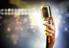Estilo retro do microfone audio Fotos de Stock Royalty Free