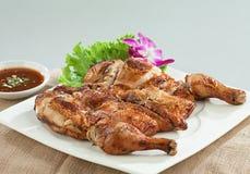 Estilo tailandés asado a la parilla pollo fotos de archivo libres de regalías
