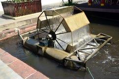 Estilo tailandés de la máquina de la turbina del agua Foto de archivo libre de regalías