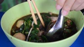 Estilo tailandés de la sopa de fideos metrajes