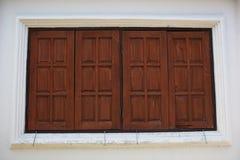 Estilo tailandés de las ventanas viejas Foto de archivo libre de regalías