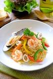 Estilo tailandés de los espaguetis de los mariscos Foto de archivo libre de regalías