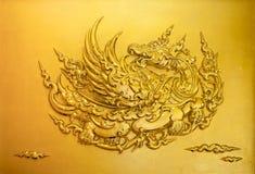 Estilo tailandés del estuco del oro Foto de archivo