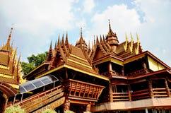 Estilo tailandés del templo Imagen de archivo libre de regalías