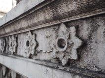 Estilo tailandés en la pared del templm Foto de archivo