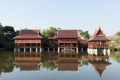 Estilo tailandês da casa velha Fotos de Stock Royalty Free