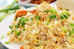 Estilo tailandês do arroz fritado do macro fotos de stock royalty free