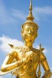 Estilo tailandês nativo da estátua do ângulo Foto de Stock Royalty Free