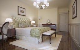 Estilo tradicional de la obra clásica del dormitorio Imagen de archivo libre de regalías