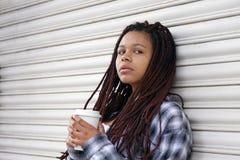 Estilo urbano de la mujer Foto de archivo
