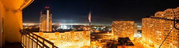 Estilo urbano panorama de la ciudad de la noche foto de archivo libre de regalías