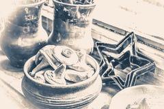 Estilo velho do vintage Close up pequeno da cerâmica Imagens de Stock Royalty Free