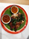 Estilos de Tailandia de la parrilla del pollo imagen de archivo libre de regalías