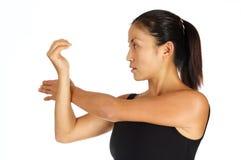 Estiramento do ombro Imagens de Stock