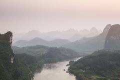 Estiramentos da paisagem da montanha do cársico Fotografia de Stock Royalty Free
