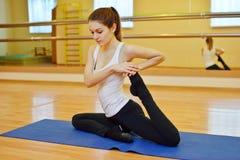 Estirar ejercicios Foto de archivo