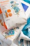 Estnische Produkte mit einem Design für die Feier des Jahrestages der Republik von Estland Lizenzfreies Stockfoto