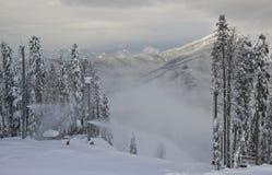 Esto-Sadok (Sochi, Ryssland) är en av den bästa vintern skidar semesterorter i subtropiska trakterna Arkivfoton