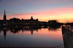 Estocolmo de una colina - ayuntamiento y Gamla Stan Foto de archivo libre de regalías