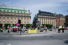 Estocolmo, Suecia - 1 de junio de 2016: Iraníes que protestan en el centro de ciudad Foto de archivo